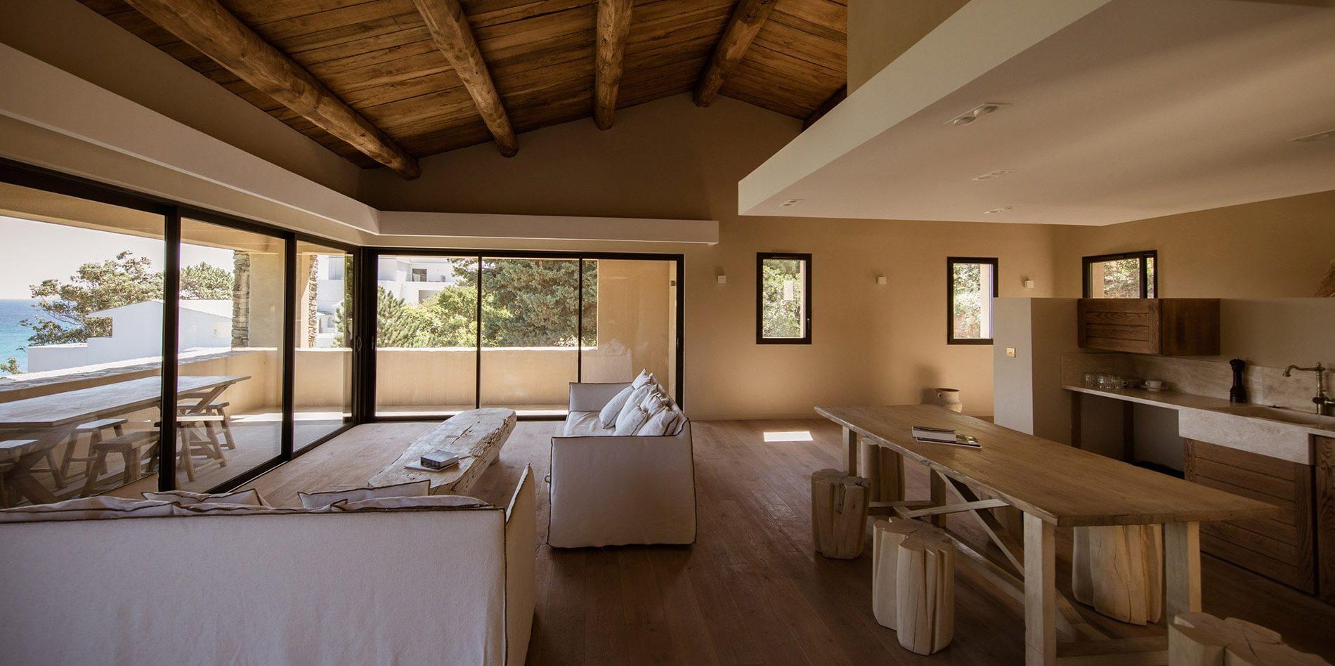 Hotel Misincu Cagnano Cap Corse Corsica Frankrijk villa living keuken loggia terras zeezicht