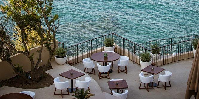 Hotel Misincu Cagnano Cap Corse Corsica Frankrijk terras zeezicht