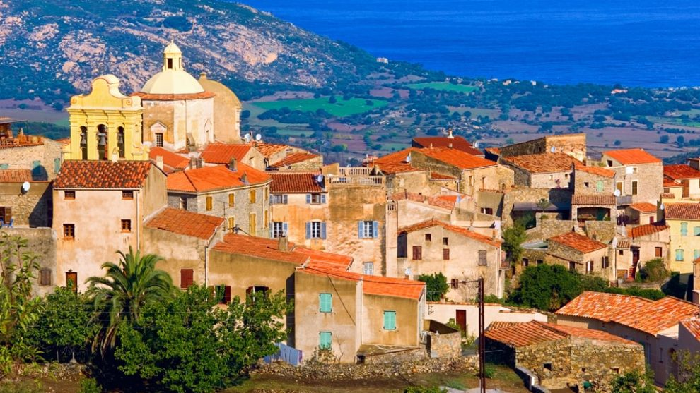 Pigna Balagne Corsica Frankrijk Tuin van Corsica heuvel hill top zee