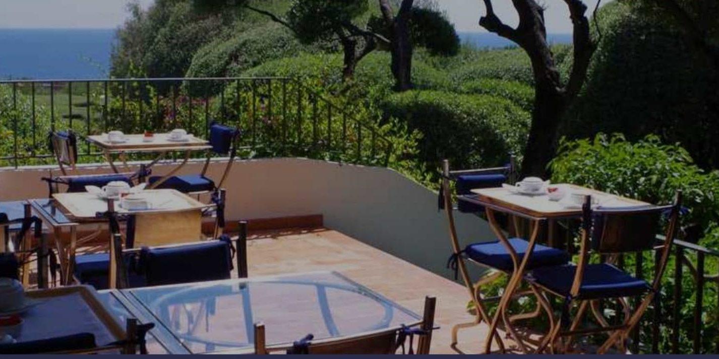 Hotel Pietracap Bastia Corsica Frankrijk terras ontbijt tuin zeezicht