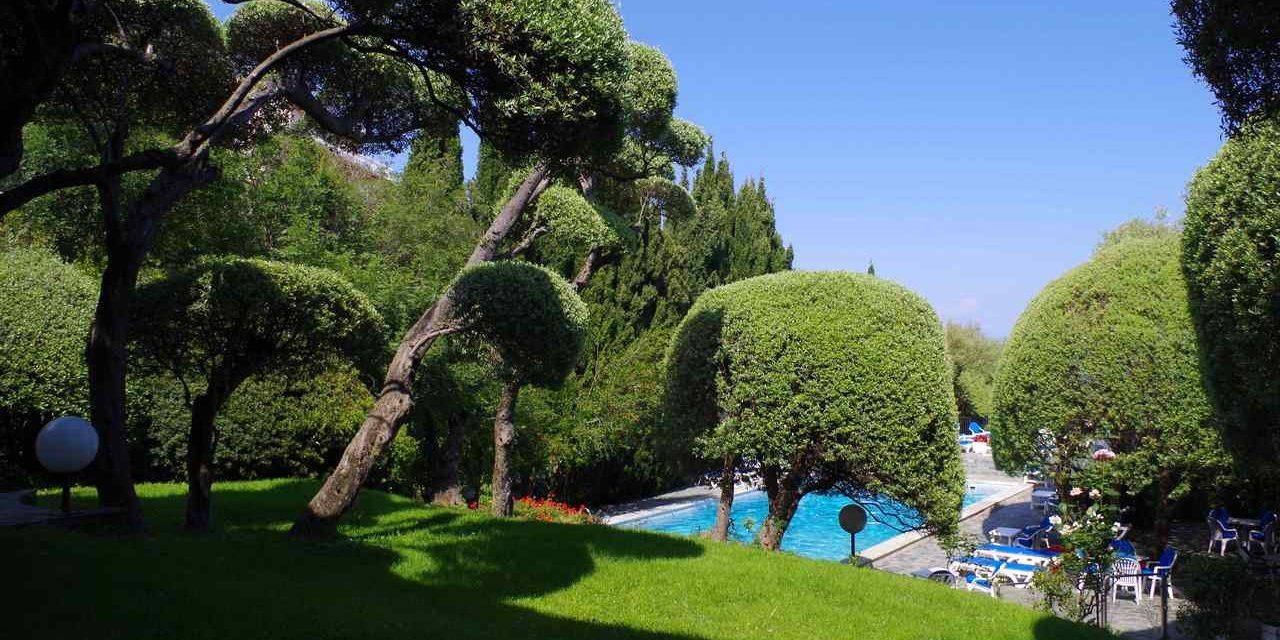 Hotel Pietracap Bastia Corsica Frankrijk tuin zwembad
