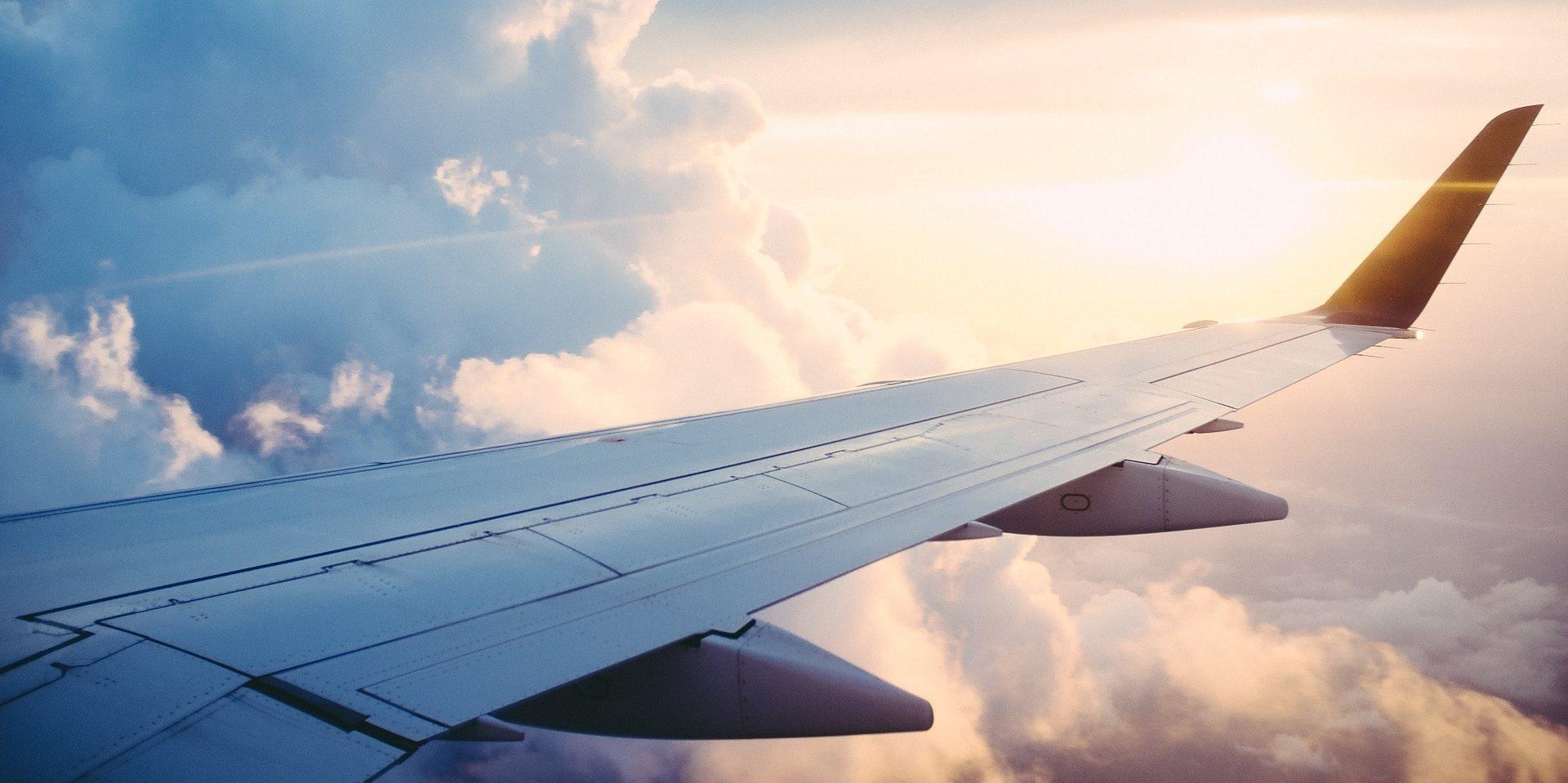 Corsica Frankrijk uitzicht vliegtuig wolken zon vleugel straalmotoren