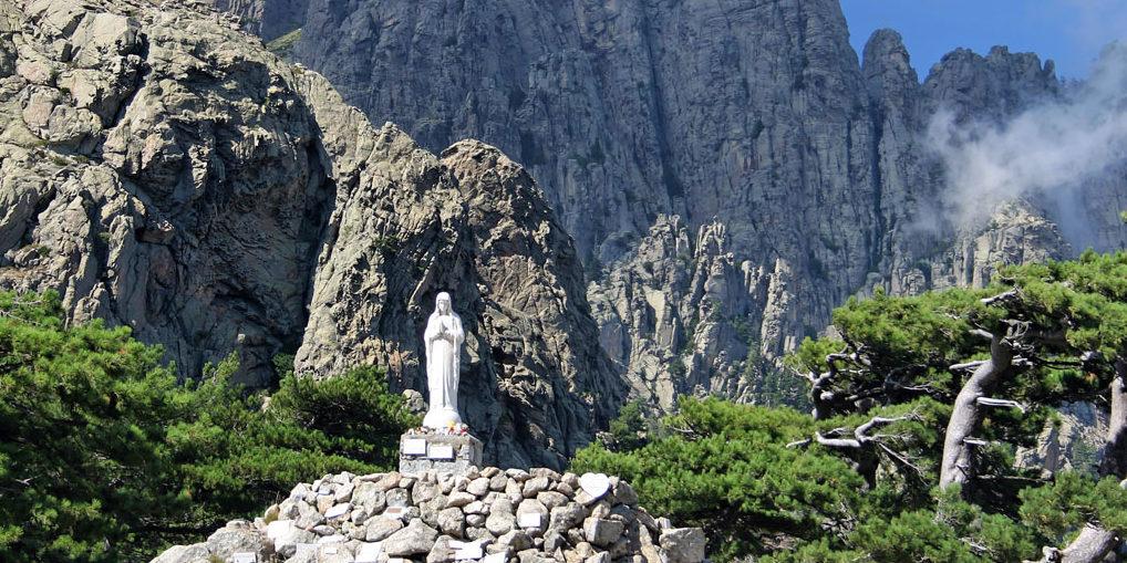Col de Bavella Corsica Frankrijk madonna madonnabeeld Massif de Bavella Bavella-Massief