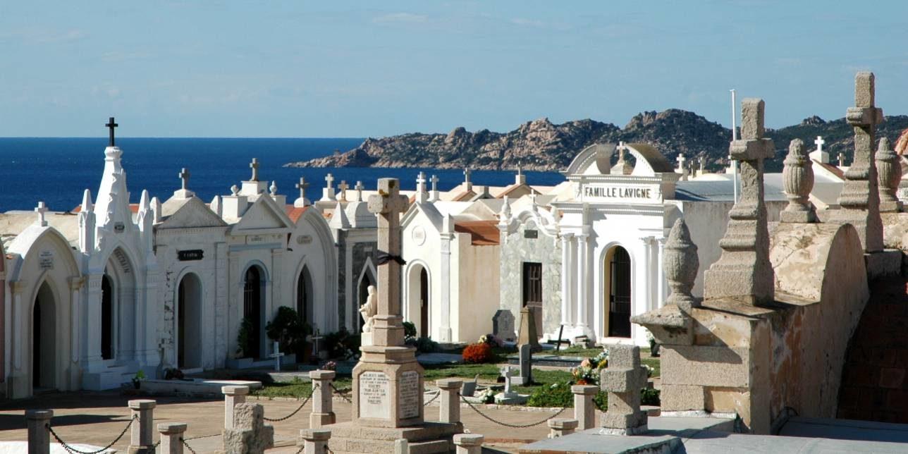 Best Western Hotel du Roy d'Aragon Bonifacio Corsica Frankrijk cimetiere des marins begraafplaats zeelieden graftombes