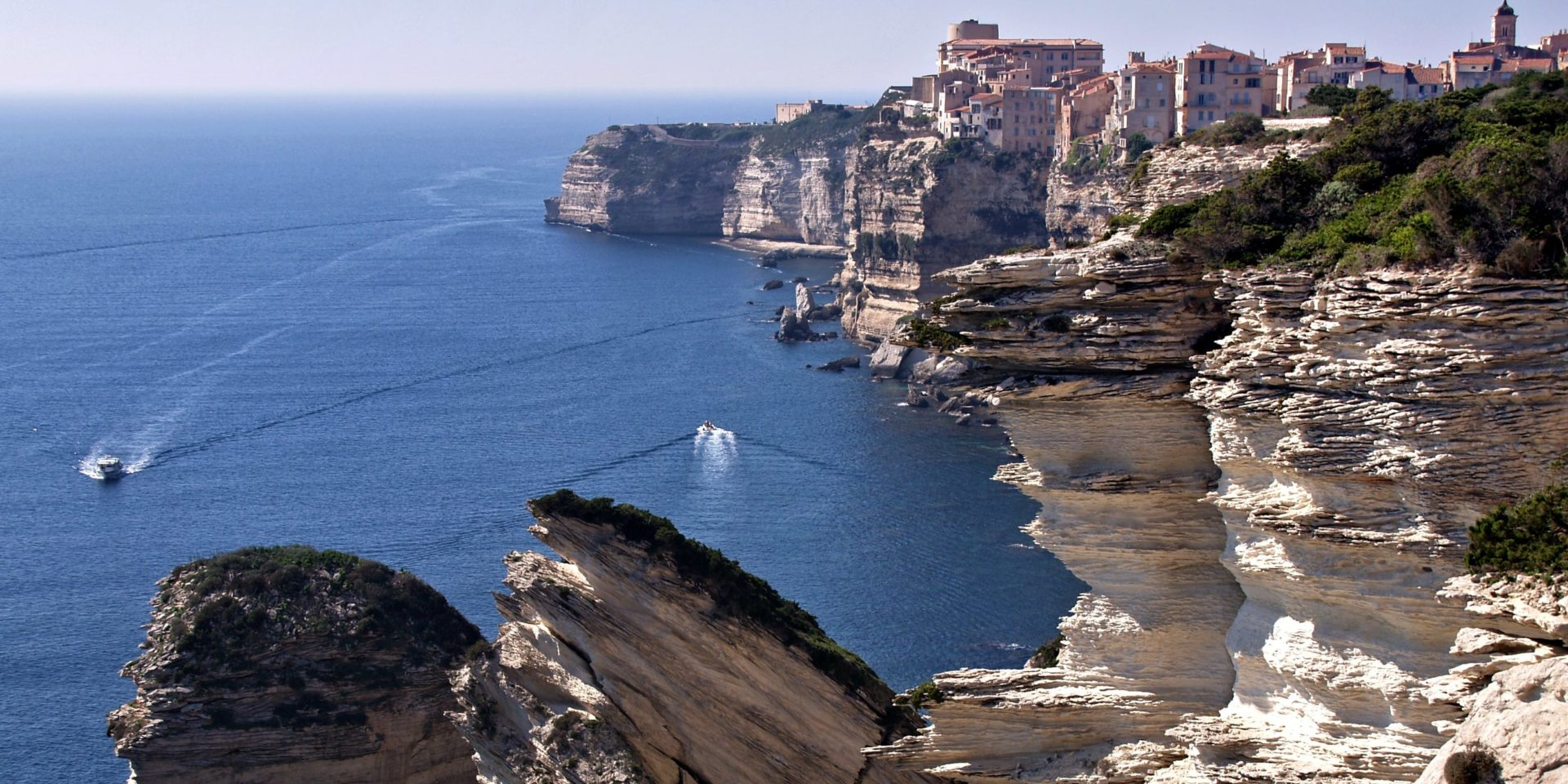 Best Western Hotel du Roy d'Aragon Bonifacio Corsica Frankrijk falaises kliffen bovenstad zee boten