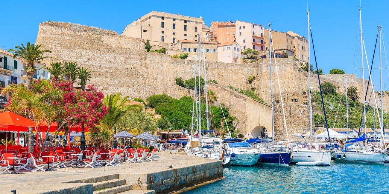 Calvi Corsica Frankrijk terras haven citadel