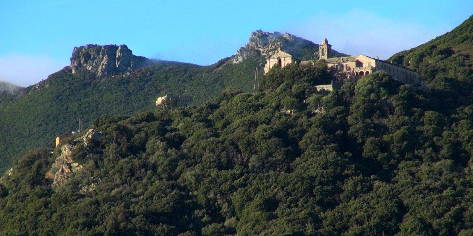 Cap Corse Corsica Frankrijk wandelen heuvelachtig