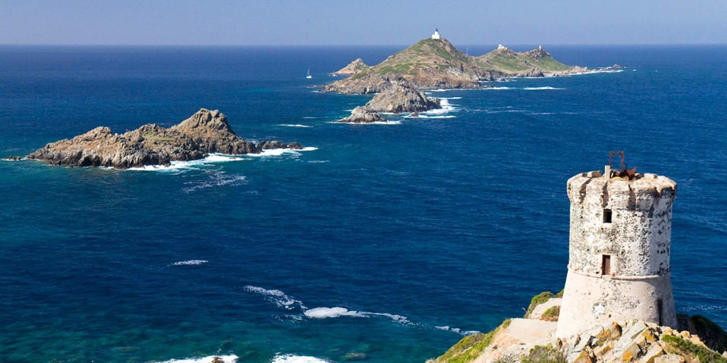 Iles Sanguinaires Ajaccio Corsica Frankrijk Genuese toren zee rotsen