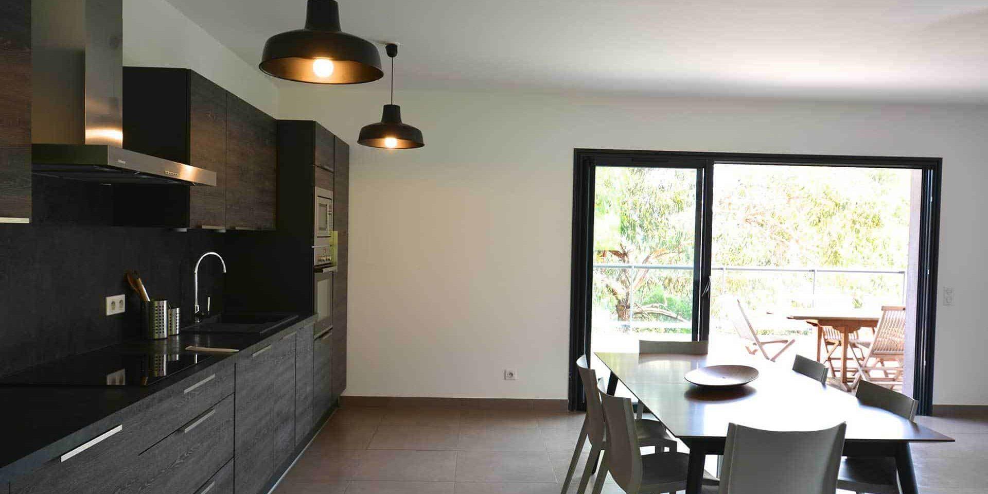 Les Villas de Lorello Porticcio Corsica Frankrijk appartement Eucalyptus keuken