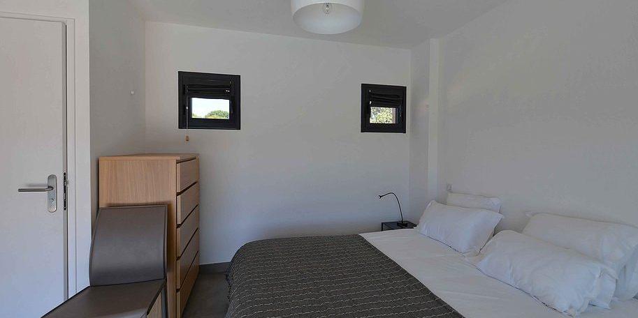 Les Villas de Lorello Porticcio Corsica Frankrijk slaapkamer