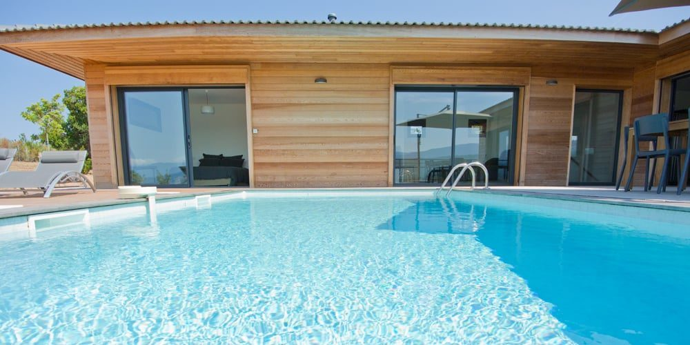 Les Villas de Lorello Porticcio Corsica Frankrijk villa Les Arbousiers zwembad faça