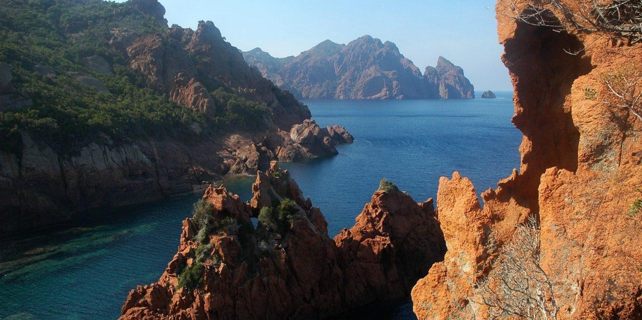 Scandola Girolata Corsica Frankrijk rotsformaties zee calanques calanches