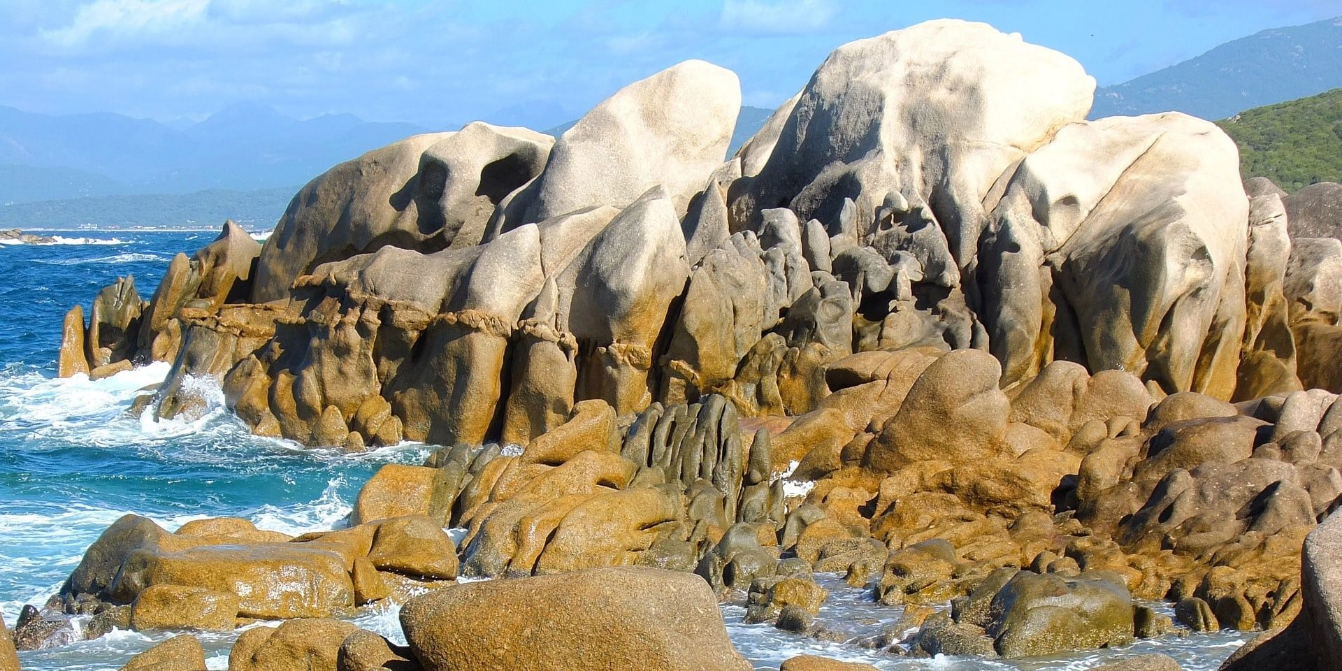 Golf van Valinco Corsica Frankrijk rotsformaties grillig zee