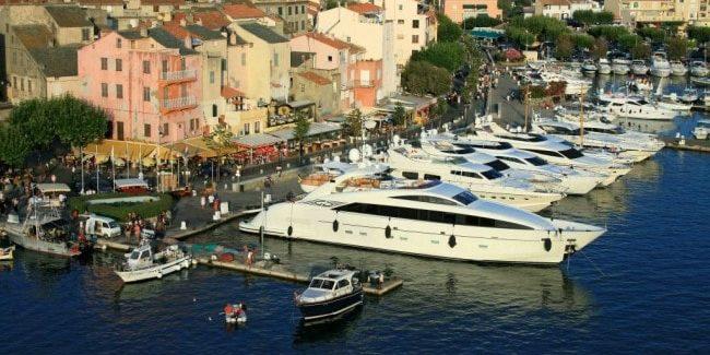 Saint Florent Corsica Frankrijk haven jacht wandelpromenade