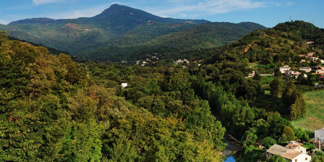 Castagniccia Corsica luchtfoto