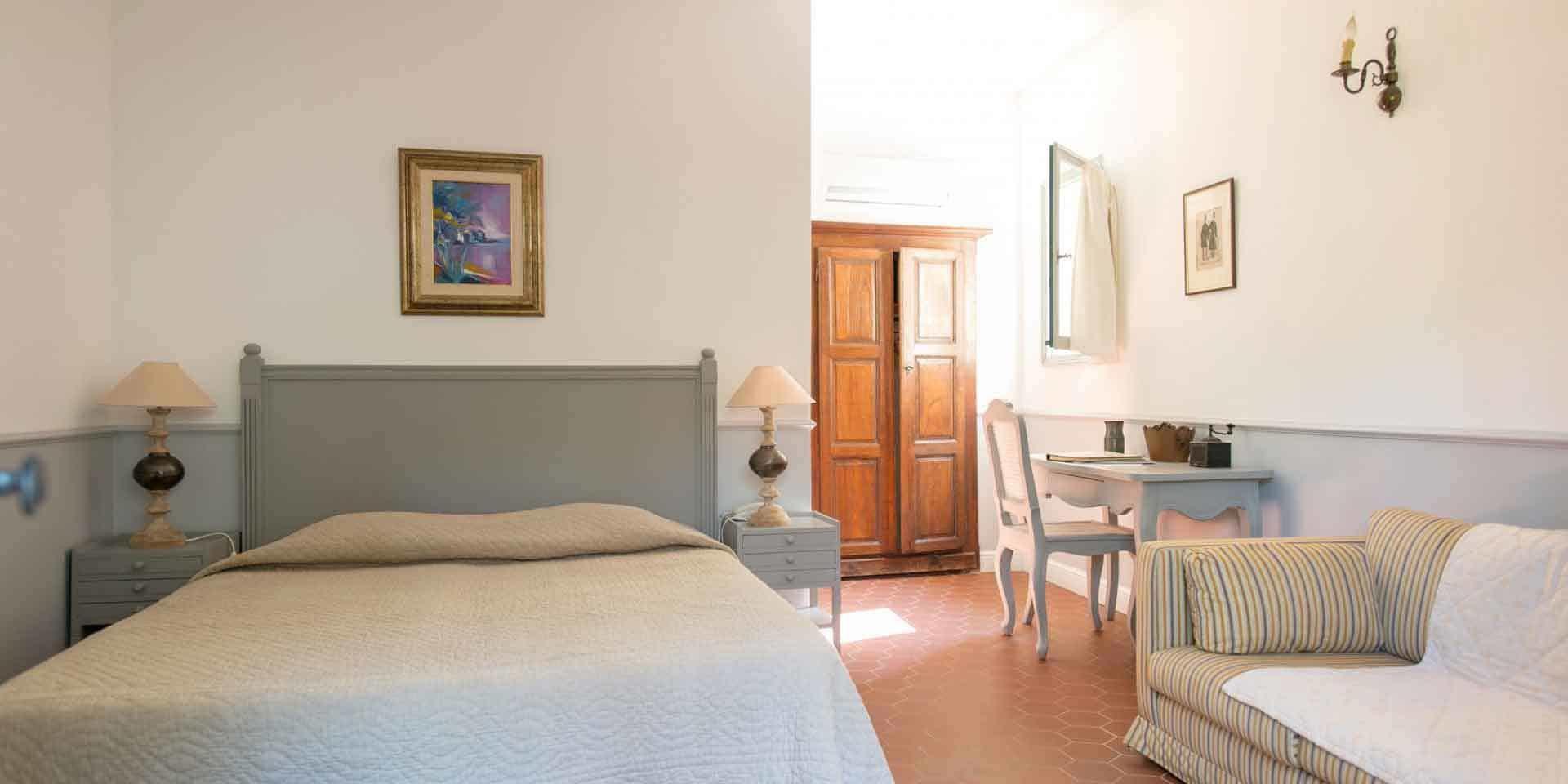 Hotel Castel Brando Erbalunga Cap Corse Corsica Frankrijk slaapkamer charme tweepersoonsbed
