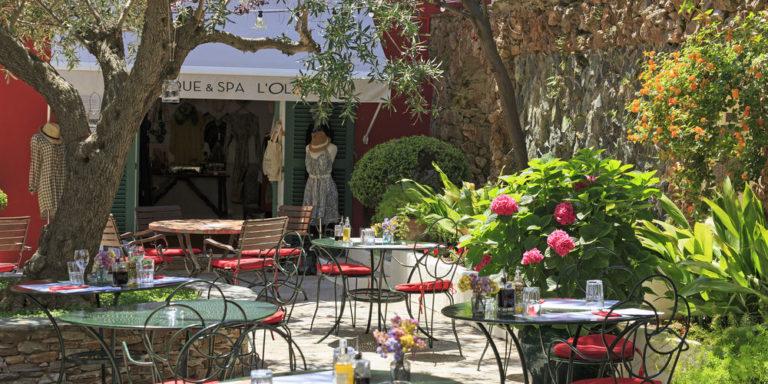 Hotel Castel Brando Erbalunga Cap Corse Corsica Frankrijk terras winkeltje spa