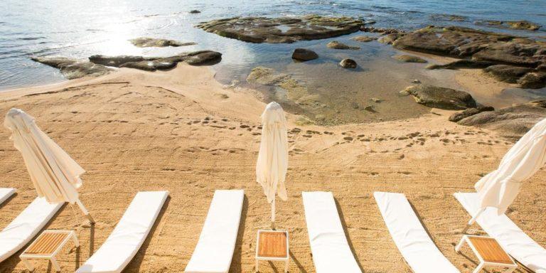 Hotel Demeure Les Mouettes Ajaccio Corsica Frankrijk strand privé zee ligbedden
