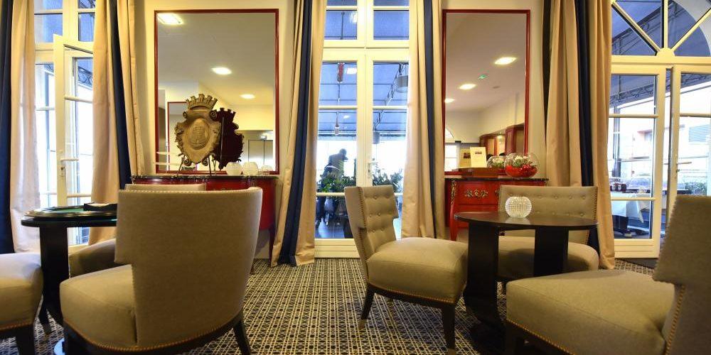 Hotel des Gouverneurs Bastia Corsica Frankrijk lounge salon