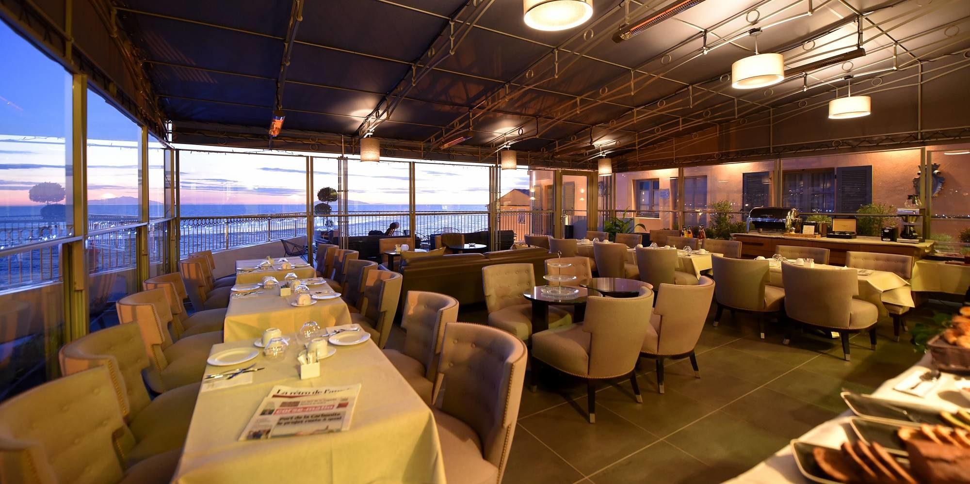 Hotel des Gouverneurs Bastia Corsica Frankrijk restaurant uitzicht