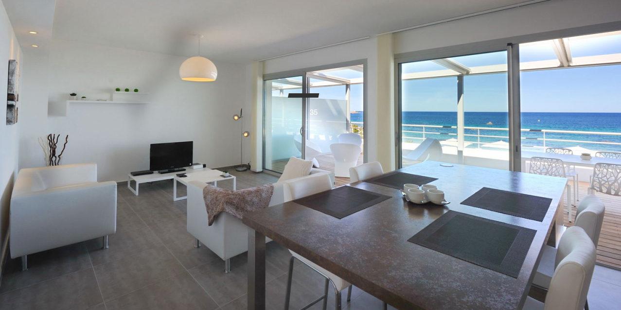 Residence Dary Ile Rousse Balagne Corsica Frankrijk appartement zeezicht zithoek modern luxe