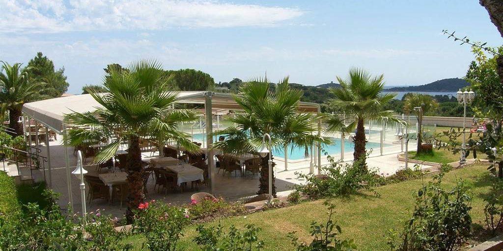 Residence U Paesolu Pinarello Sainte-Lucie-de-Porto-Vecchio Porto-Vecchio Corsica Frankrijk terras zwembad tuin park