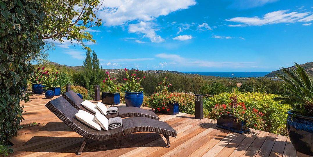 Villa Vermentinu Primonte Porto-Vecchio Corsica Frankrijk terras ligbedden sun-loungers