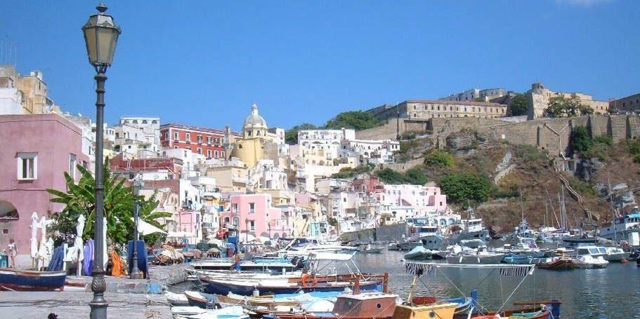 Hotel Don Cesar Porto-Vecchio Corsica Frankrijk haven boten kleurrijk