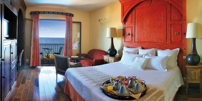Hotel La Demeure Loredana Saint-Florent Corsica Frankrijk kamer balkon zeezicht