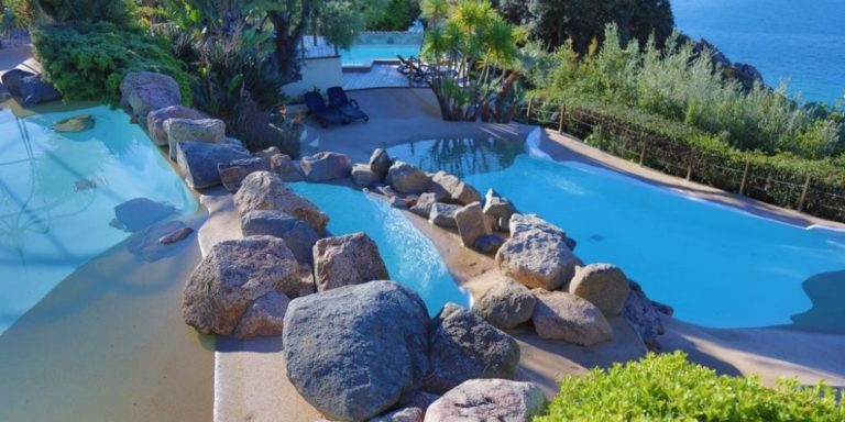 Hotel Marinca & Spa Olmeto Propriano Corsica Frankrijk zwembaden