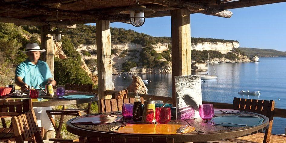 Hotel U Capu Biancu Bonifacio Corsica Frankrijk restaurant zeezicht