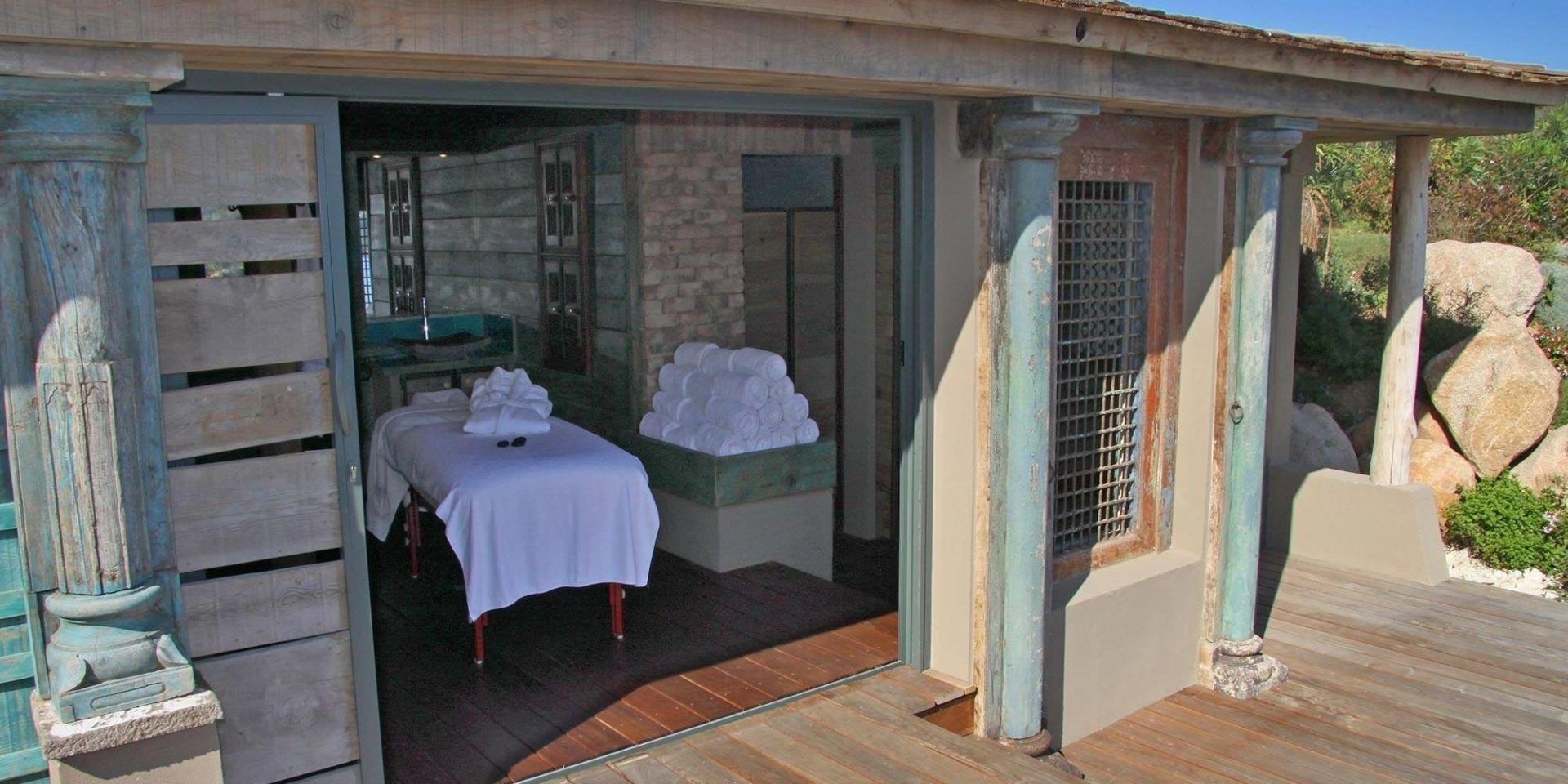 Hotel U Capu Biancu Bonifacio Corsica Frankrijk wellness massagetafel