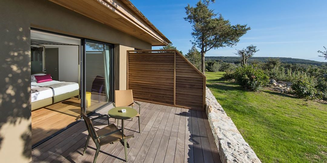 Hotel Version Maquis Citadelle Bonifacio Corsica Frankrijk kamer terras tuin uitzicht