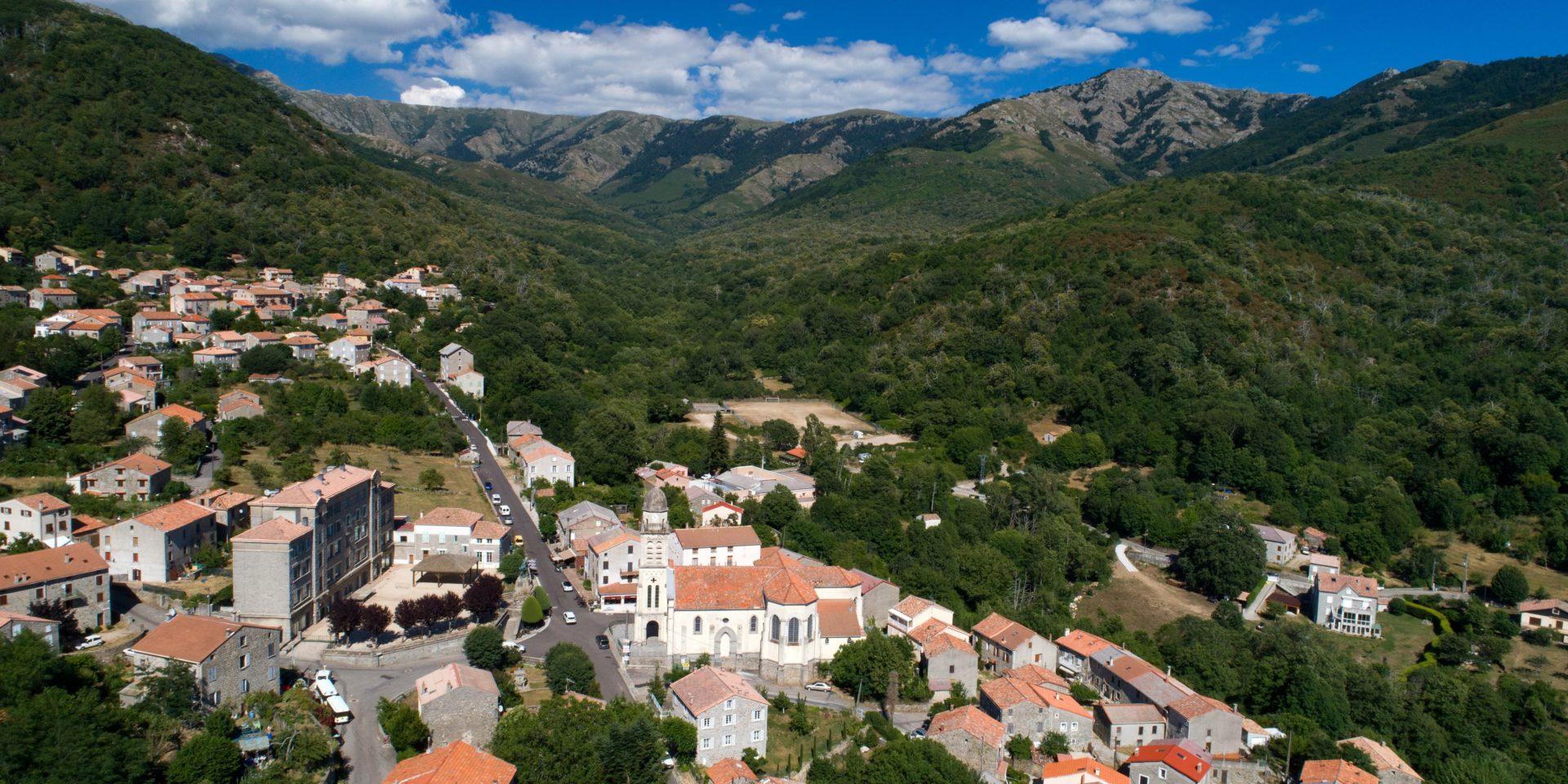 Boutique Hotel Artemisia Bastelica Corsica Frankrijk dorp bergen