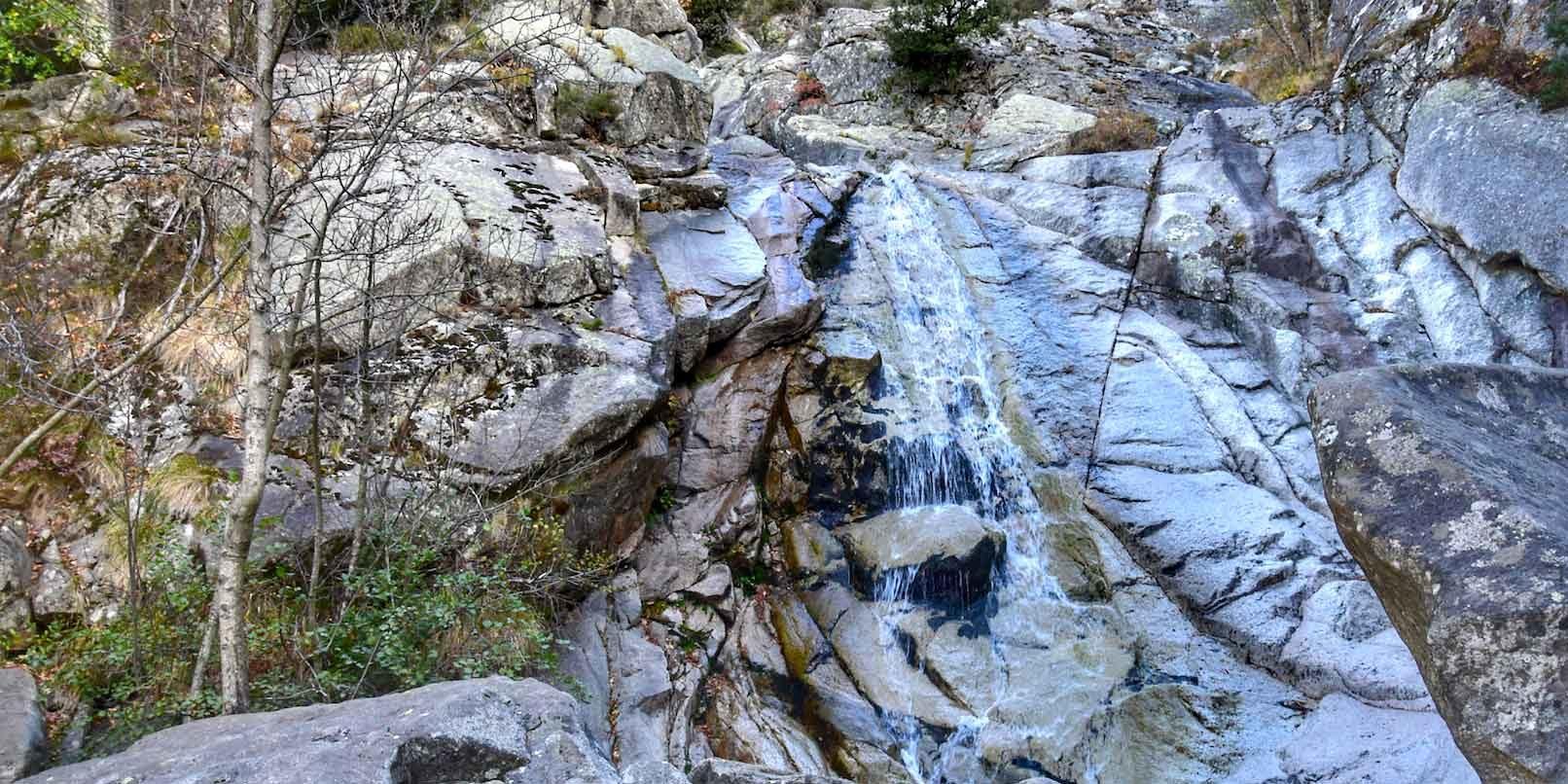 Cascade de Ortala Bastelica Corsica Frankrijk waterval