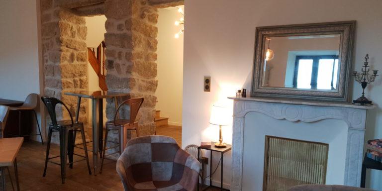 Chambres d'hotes A Bella Scusa Boccialacci Bastelica Corsica Frankrijk interieur salon living lounge haard