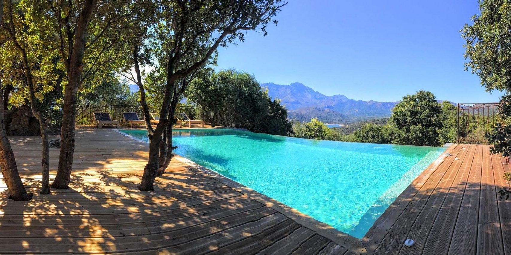 Hotel A Piattatella Monticello Balagne Corsica Frankrijk zwembad