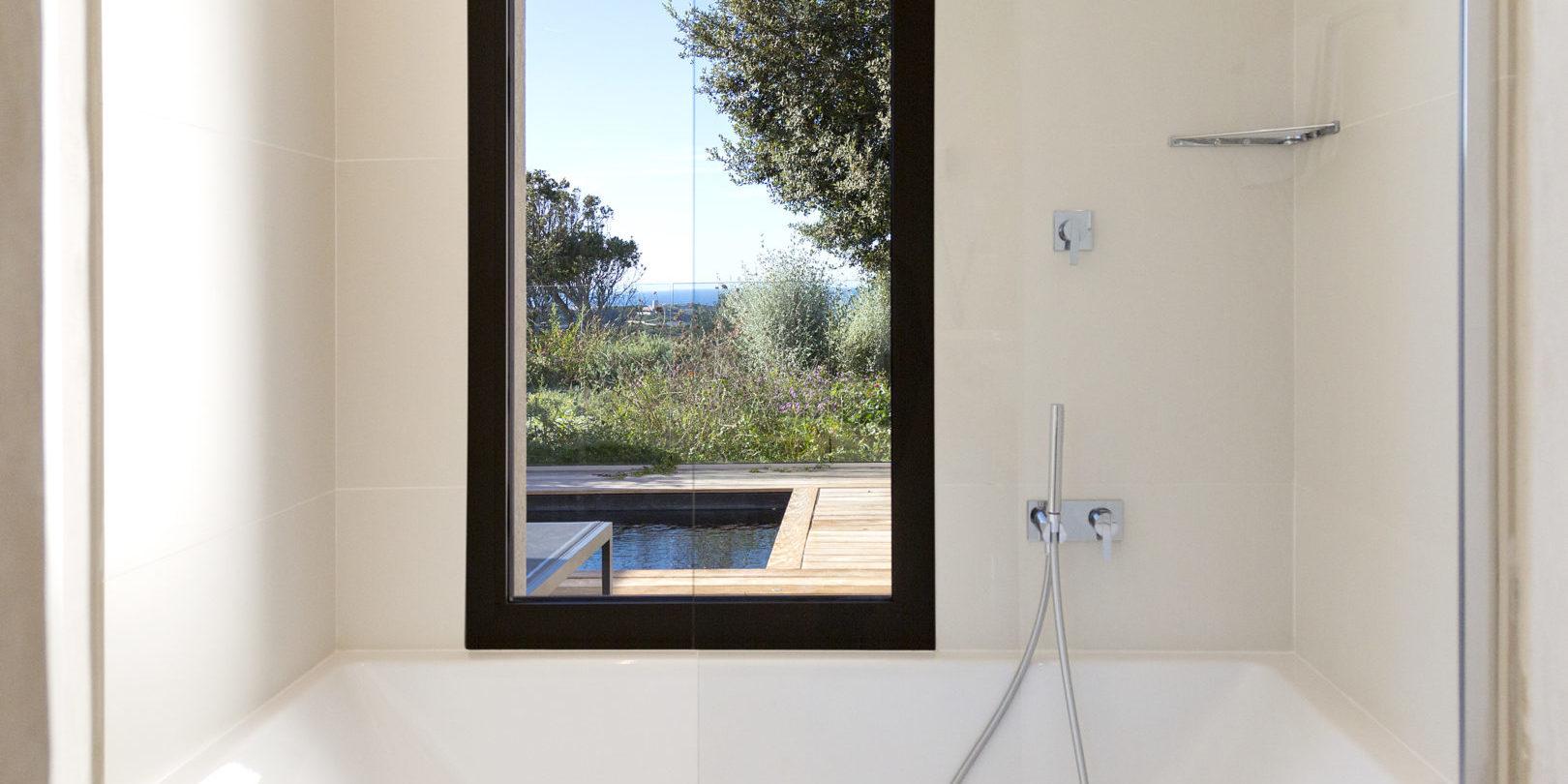 Hotel Cala di Greco Bonifacio Corsica Zuid-Corsica Frankrijk badkamer privézwembad