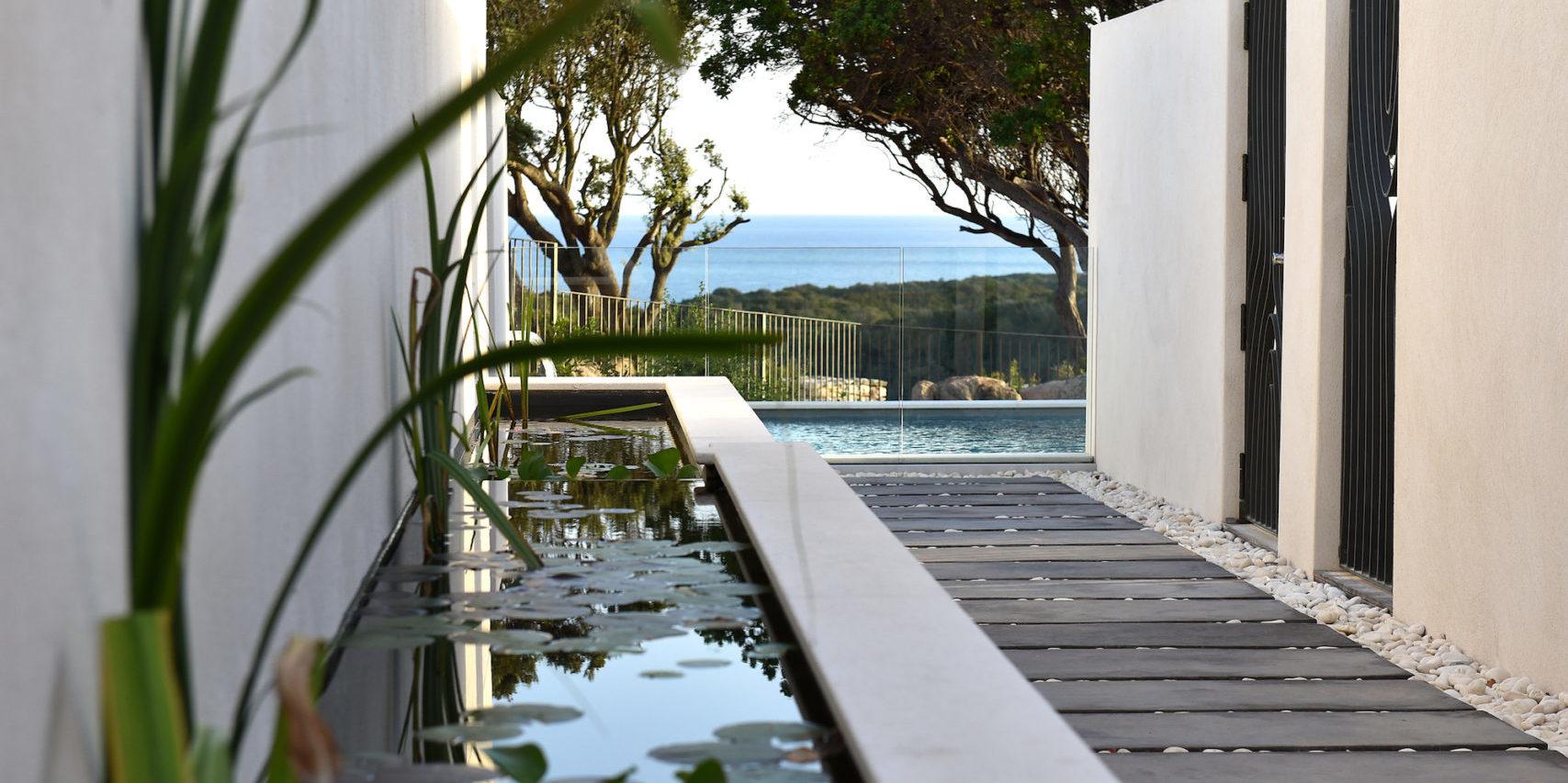 Hotel Cala di Greco Bonifacio Corsica Zuid-Corsica Frankrijk doorkijkje