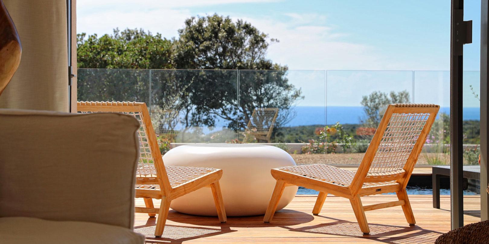 Hotel Cala di Greco Bonifacio Corsica Zuid-Corsica Frankrijk suite terras design meubels zeezicht maquis