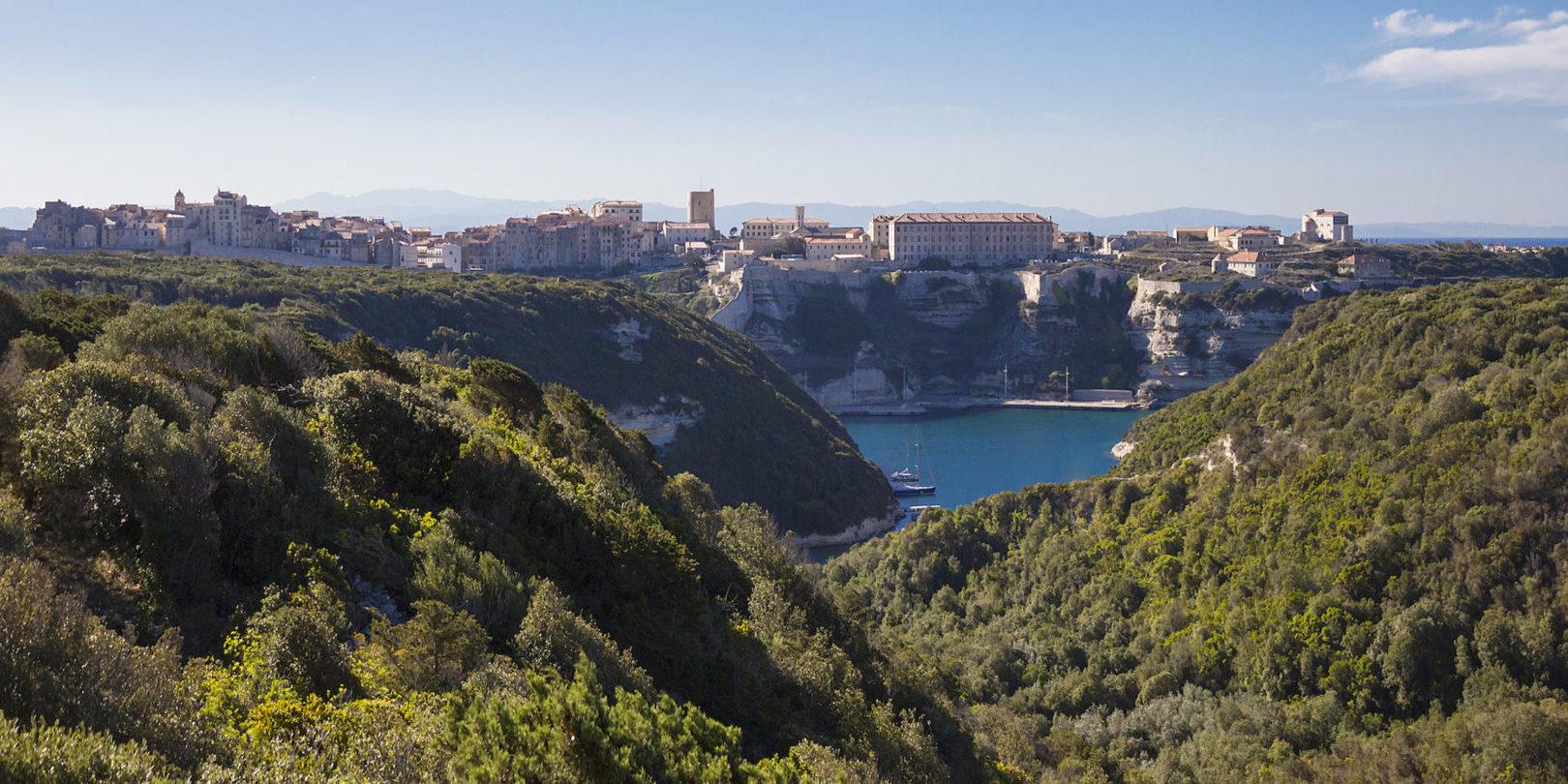 Hotel Cala di Greco Bonifacio Corsica Zuid-Corsica Frankrijk uitzicht maquis zee Bonifacio citadel