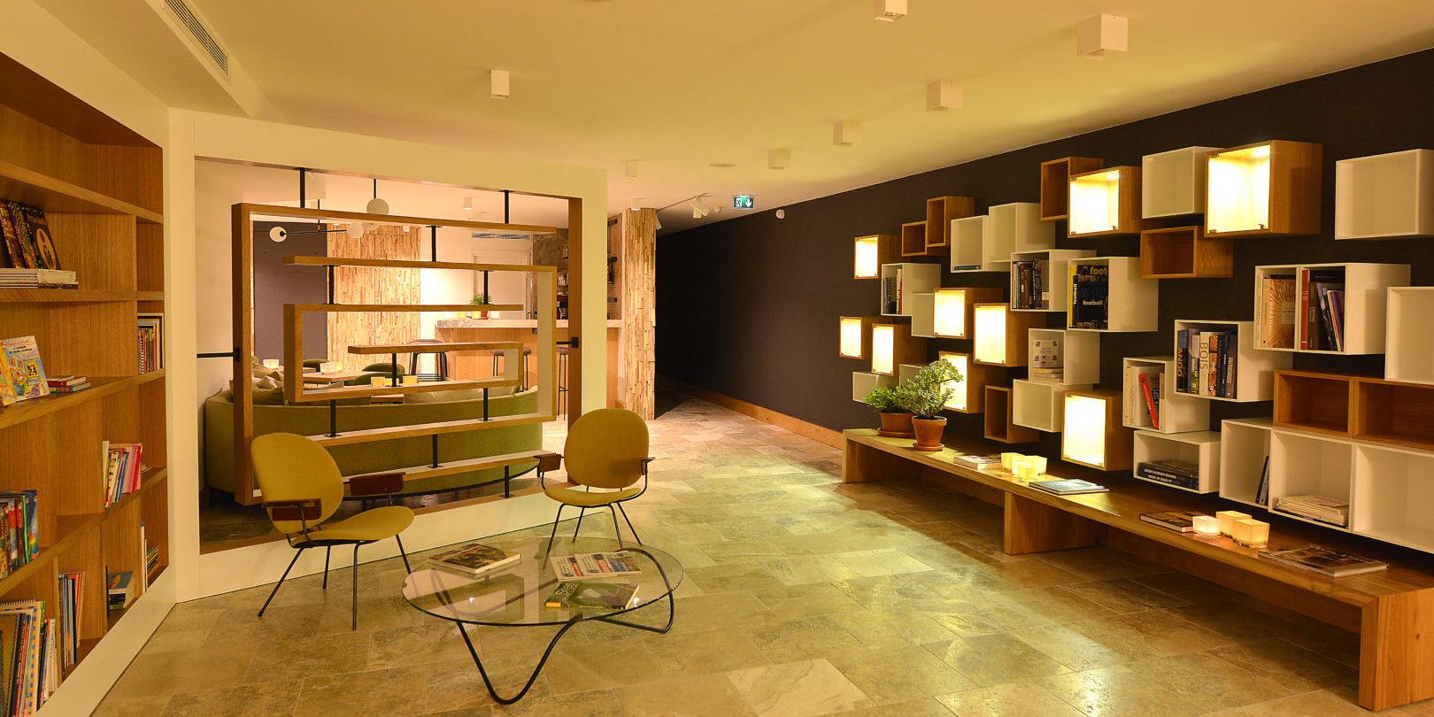 Hotel Dominique Colonna Corte Restonica binnenland Corsica Frankrijk lounge salon