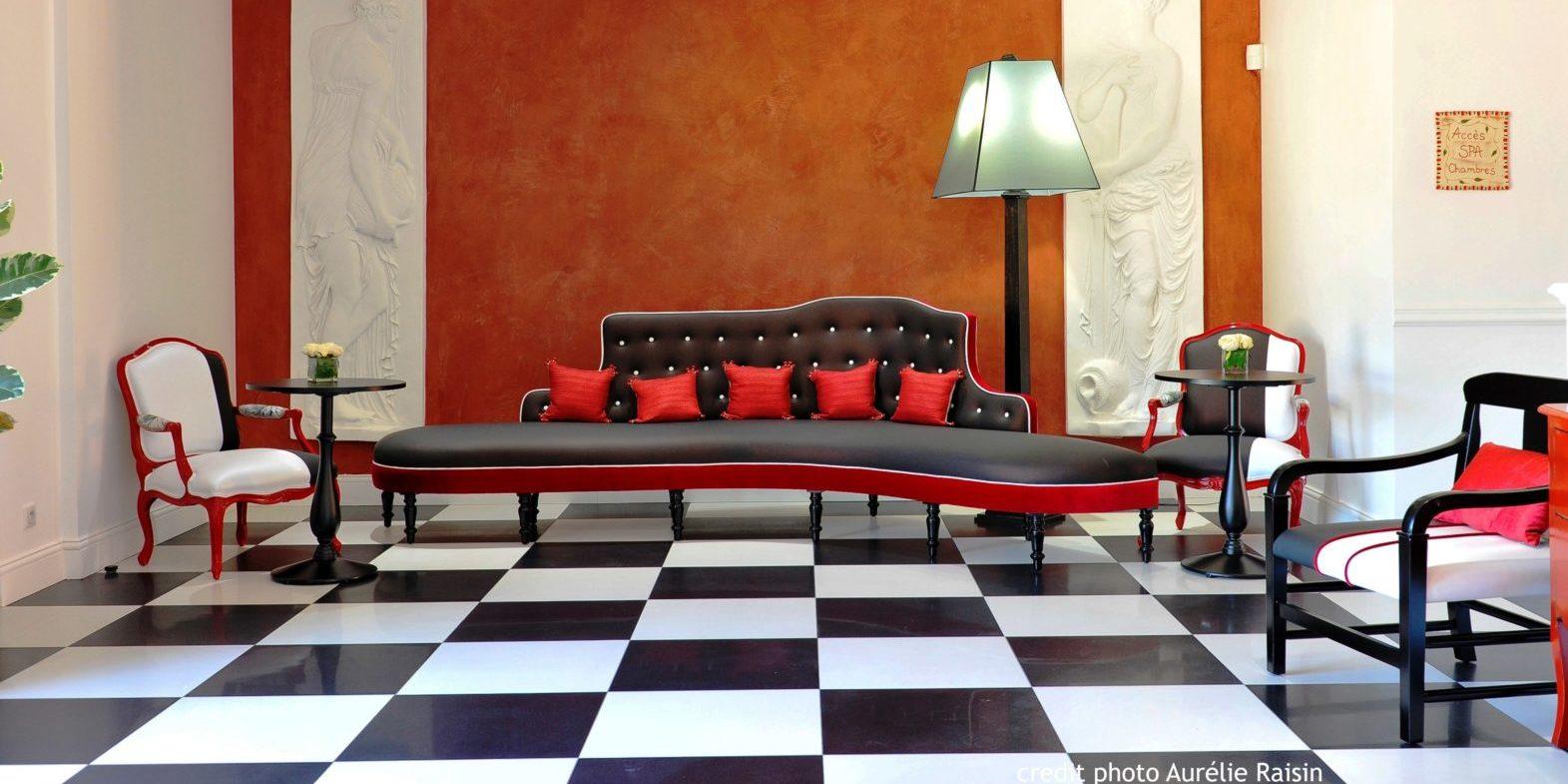 Boutique Hotel Liberata Ile Rousse Balagne Corsica Frankrijk art nouveau bank lobby lounge