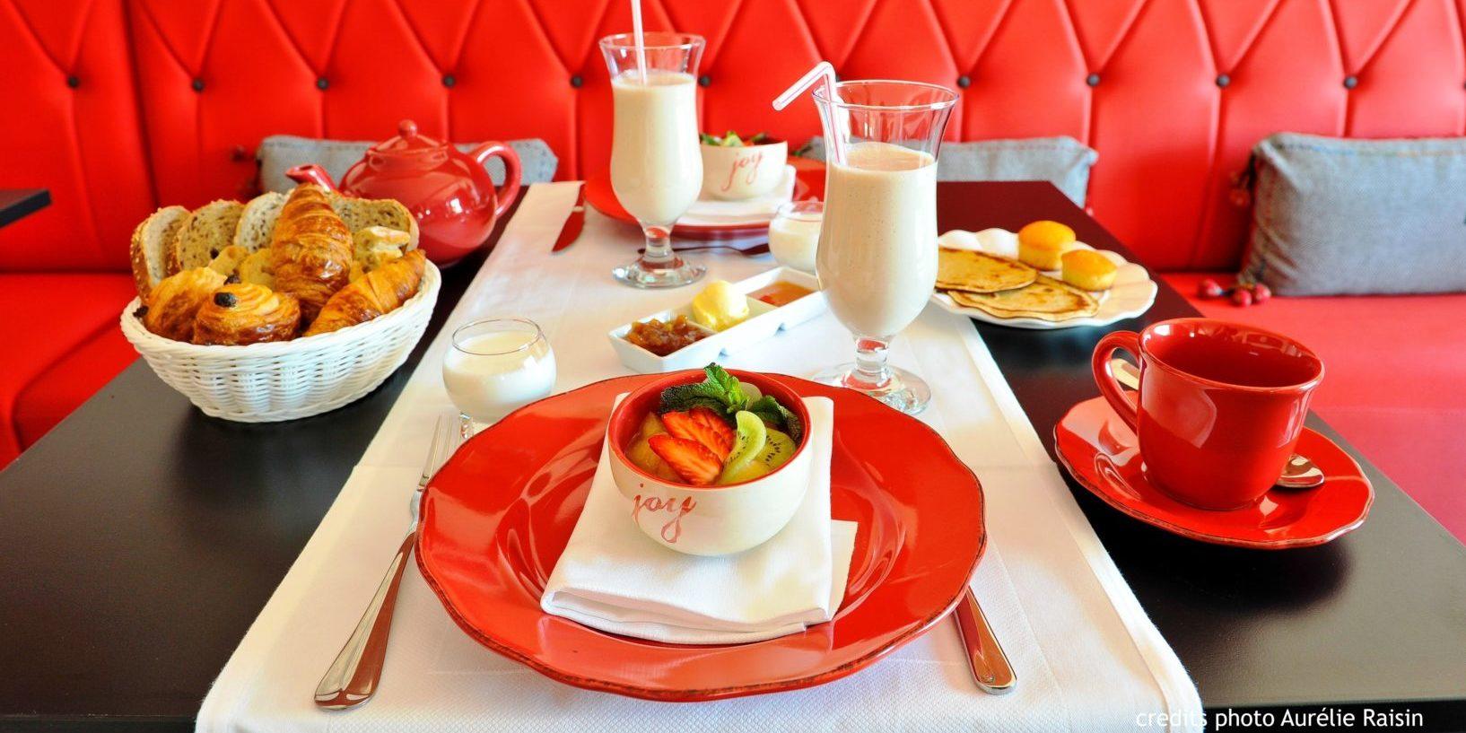 Boutique Hotel Liberata Ile Rousse Balagne Corsica Frankrijk ontbijt-aan-tafel