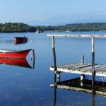 Lac d'Urbino Corsica Frankrijk meer lagune vissersboot steiger bomen
