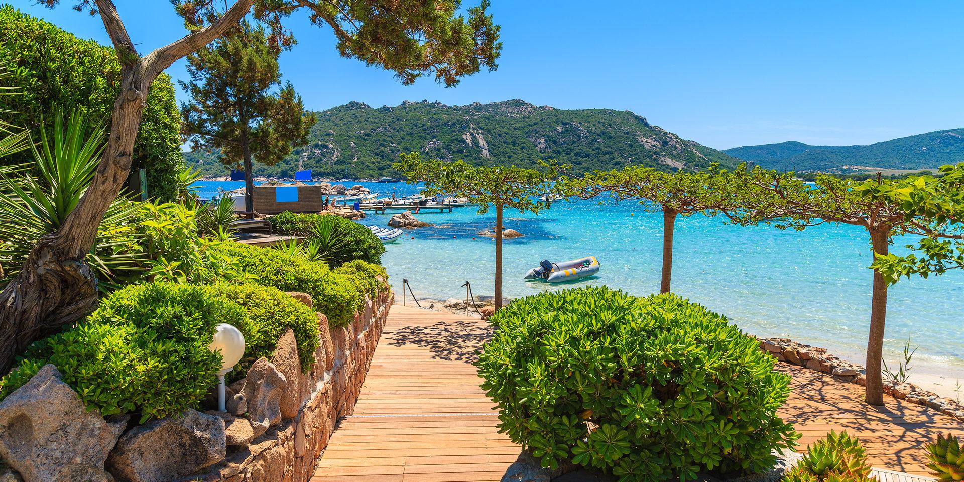 Santa-Giulia Plage-de-Santa-Giulia Corsica Frankrijk zuiden wandelpromenade paradijselijk