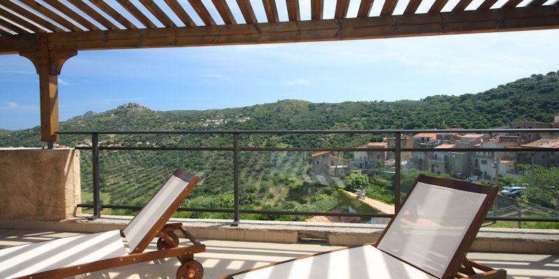 U San Dume Cateri Balagne Corsica Frankrijk kamer terras ligbedden uitzicht