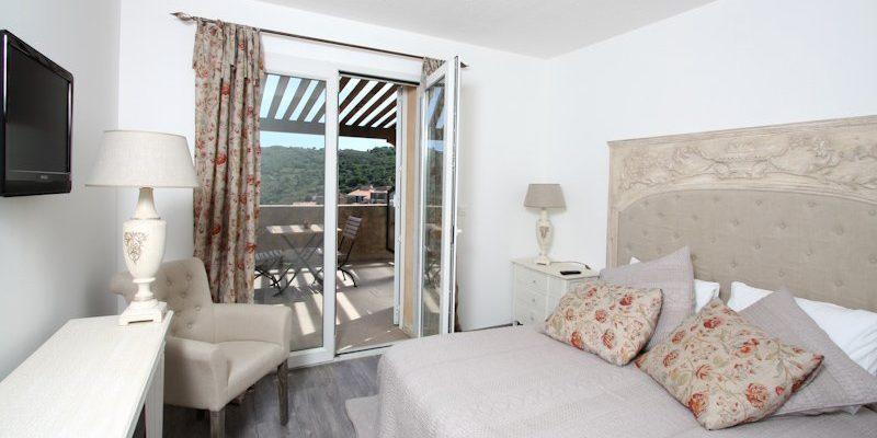 U San Dume Cateri Balagne Corsica Frankrijk kamer tweepersoonsbed openslaande-deuren balkon
