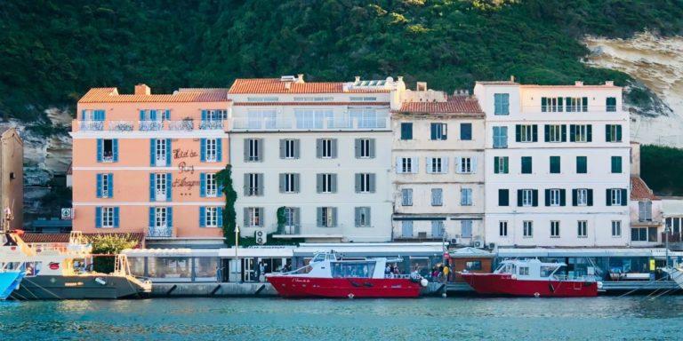 Les Appartements du Port Bonifacio Corsica Frankrijk OntdekCorsica facade haven kade Quai-Comparetti-15