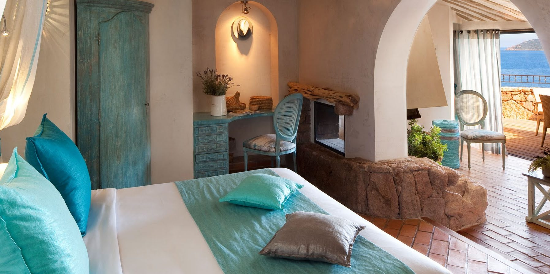 U Capu Biancu Bonifacio Corsica Frankrijk hotel kamer tweepersoonsbed terras balkon zeezicht